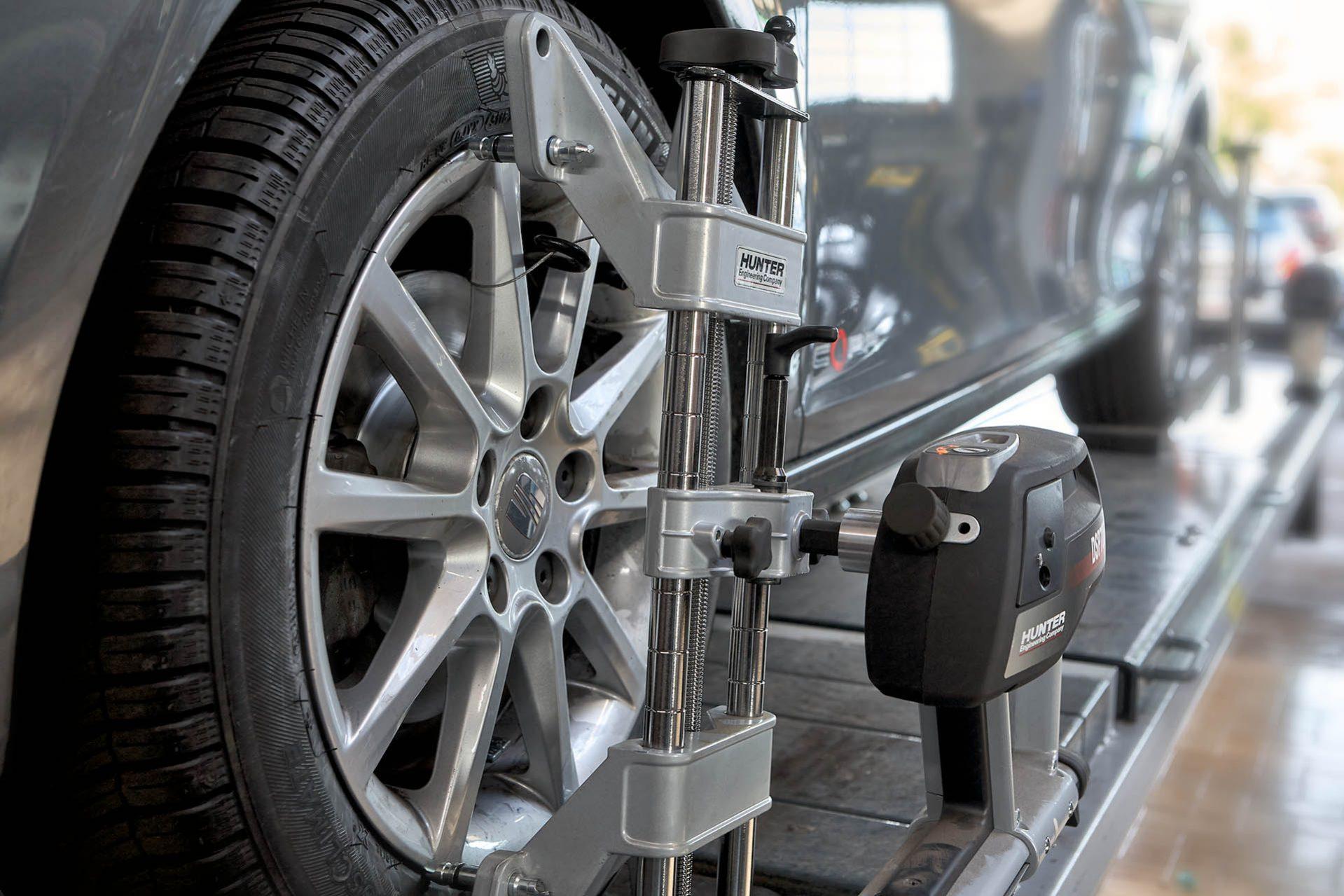 Appareil informatique d'équilibrage de roues Garage Duverger renault